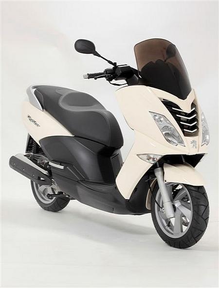 bemutatkozott a peugeot city star 125 powerbike. Black Bedroom Furniture Sets. Home Design Ideas
